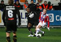 Fotball<br /> Tippeliga 2010<br /> Tromsø - Hønefoss (2 - 0) 14.03.2010<br /> <br /> Tommy Knarvik, Tromsø<br /> Umaru Bangura, Hønefoss<br /> Foto: Tom Benjaminsen, Digitalsport