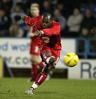 Fotball<br /> England 2004/2005<br /> Foto: SBI/Digitalsport<br /> NORWAY ONLY<br /> <br /> Coca-Cola League 1<br /> 03/01/2005.<br /> <br /> Huddersfield v Bristol City<br /> <br /> Bristol's Leroy Lita fires in a shot