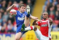 Fotball<br /> England<br /> Foto: Fotosports/Digitalsport<br /> NORWAY ONLY<br /> <br /> Coca Cola Championship. Charlton v Ipswich - 04.10.08<br /> <br /> Charlton's Hameur Bouazza battles with Ipswich's moritz volz