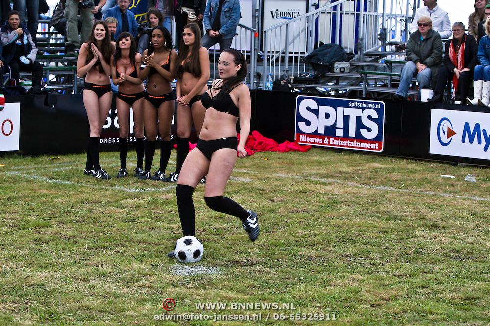 NLD/Amsterdam/20080518 - Opname strafschoppen EK Lingerie, team uit Spanje