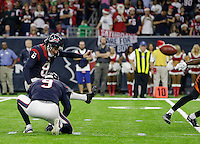 Houston Texans kicker Nick Novak (8) kicks a field goal against the Cincinnati Bengals during the second half of an NFL football game Saturday, Dec. 24, 2016, in Houston. (AP Photo/Sam Craft)