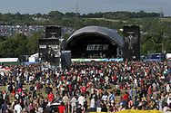 Mandatory Credit: Photo by STEVE MEDDLE / Rex Features<br /> ELECTRIC SIX ON THE OTHER STAGE<br /> GLASTONBURY FESTIVAL DAY 1, BRITAIN - 27 JUN 2003<br /> <br /> CROWD AUDIENCE