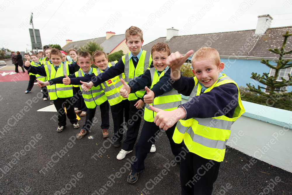 Students getting ready to swith on the lights at the launch of the new designated school zone area at Mullagh National School on Thursday afternoon.<br /> Photograph by Yvonne Vaughan