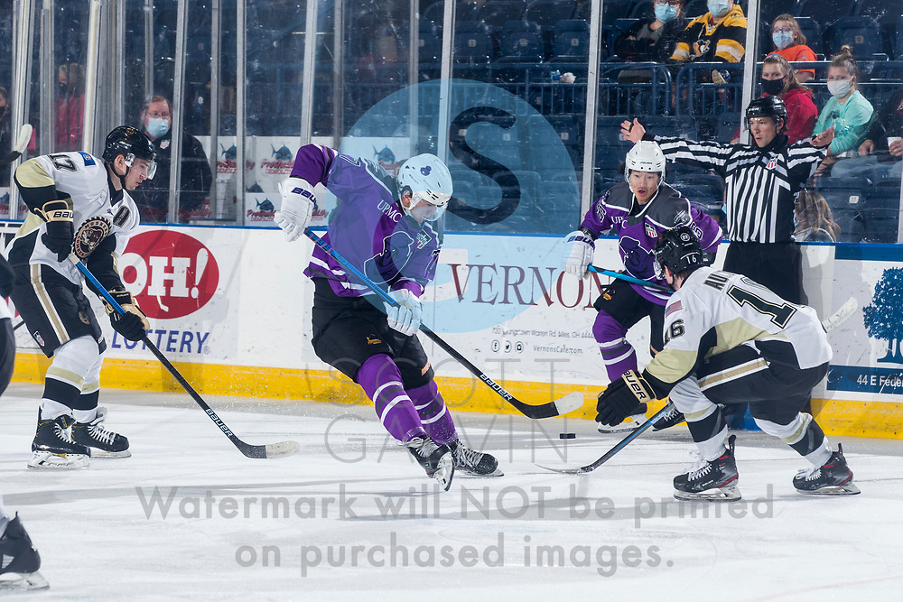 Youngstown Phantoms lose 3-2 in a shootout to the Muskegon Lumberjacks at the Covelli Centre on February 27, 2021.<br /> <br /> Brayden Stannard, forward, 27