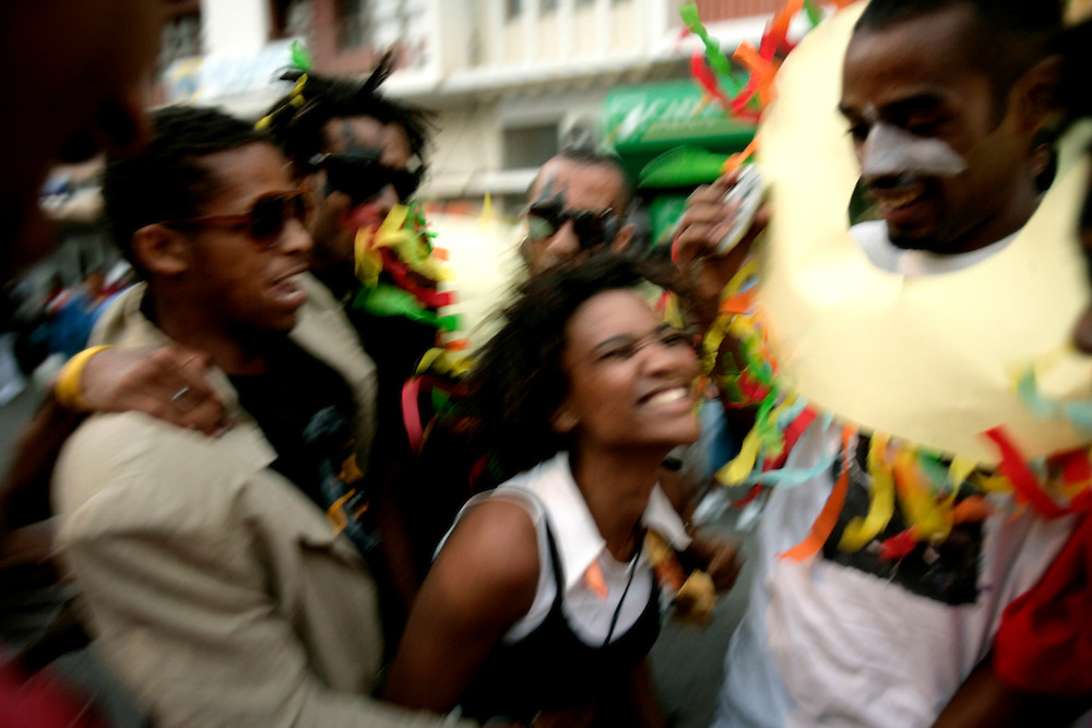 In Carnival Monday dozens of school girls and boys parade through Mindelo streets and at some points sensual dances arise amid the crowd.