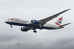 London Heathrow, January 24th 2016 British Airways Boeing 787 Dreamliner G-ZBJB lands at London Heathrow . ///FOR LICENCING CONTACT: paul@pauldaveycreative.co.uk TEL:+44 (0) 7966 016 296 or +44 (0) 20 8969 6875. ©2016 Paul R Davey. All rights reserved.