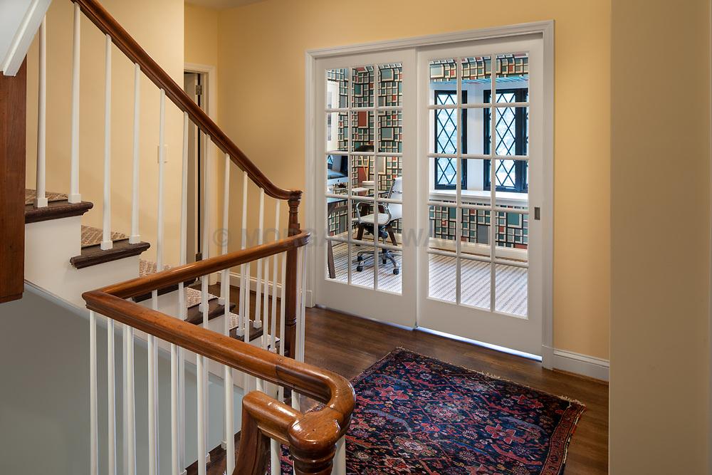 4655 Hawthorne Exterior twilight interior Foyer VA2_190_773