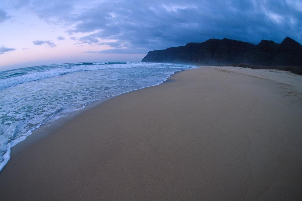 Polihale Beach and Na Pali Cliffs, Kauai, Hawaii, US