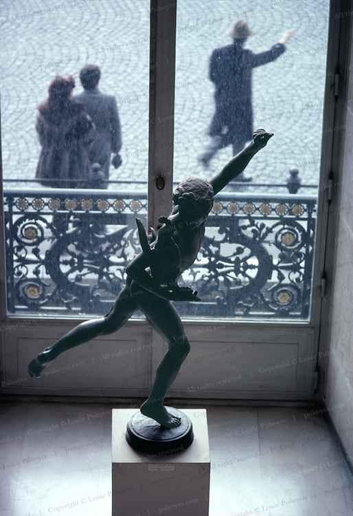 Louve Museum.