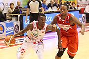 DESCRIZIONE : Campionato 2015/16 Giorgio Tesi Group Pistoia - Openjobmetis Varese<br /> GIOCATORE : Moore Ronald<br /> CATEGORIA : Palleggio Penetrazione <br /> SQUADRA : Giorgio Tesi Group Pistoia<br /> EVENTO : LegaBasket Serie A Beko 2015/2016<br /> GARA : Giorgio Tesi Group Pistoia - Openjobmetis Varese<br /> DATA : 13/12/2015<br /> SPORT : Pallacanestro <br /> AUTORE : Agenzia Ciamillo-Castoria/S.D'Errico<br /> Galleria : LegaBasket Serie A Beko 2015/2016<br /> Fotonotizia : Campionato 2015/16 Giorgio Tesi Group Pistoia - Openjobmetis Varese<br /> Predefinita :
