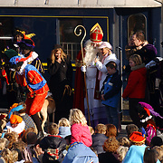 Aankomst Sinterklaas Bussum 2004, trein, staf,