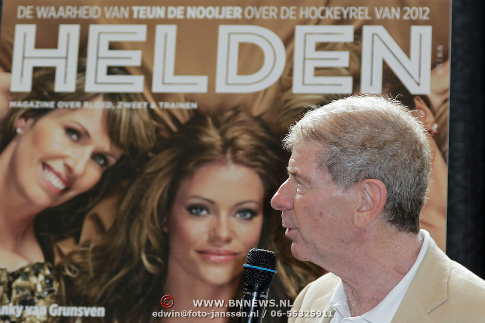 NLD/Ridderkerk/20120628 - Presentatie blad Helden 14, Frits Barend