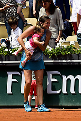 June 9, 2018 - Paris, France, France - Amelie Mauresmo avec sa fille Ayla (Credit Image: © Panoramic via ZUMA Press)