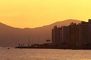 Florianopolis_SC, Brasil.. .Por do sol no litoral da Ilha de Santa Catarina...The sunset in Santa Catarina sland...Foto: JOAO MARCOS ROSA / NITRO
