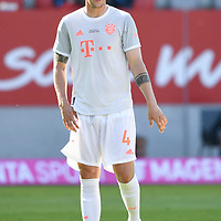 Niklas Suele (FC Bayern Muenchen) spielt das 1. Mal nach seiner Verletzung wieder.<br />Fussball  31.07.2020<br />Audi Football Summit 2020<br />FC Bayern Muenchen - Olympique Marseille<br /><br />FOTO: Markus Ulmer/Pressefoto Ulmer/Pool via nordphoto / Bratic<br /><br />Nur für journalistische Zwecke! Only for editorial use! <br />No commercial usage!