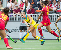 BRUSSEL - Georgia Wilson (Aus.)  with Beatriz PEREZ (SPA)   during AUSTRALIA v SPAIN , Fintro Hockey World League Semi-Final (women) . COPYRIGHT KOEN SUYK