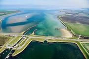 Nederland, Zeeland, Noord-Beveland, 01-04-2016; Kats. Zandkreek en Zandkreekdam met in het midden van de dam 'doorlaatmiddel' de Katse Heule, inlaat van vers (zout) water vanuit de Oosterschelde (achtergrond) in het Veerse Meer.<br /> Zandkreekdam, part of the Delta Works.<br /> <br /> luchtfoto (toeslag op standard tarieven);<br /> aerial photo (additional fee required);<br /> copyright foto/photo Siebe Swart