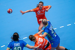 Inger Smits of Netherlands in action vs Aneja Beganovic of Slovenia during the Women's friendly match between Netherlands and Slovenia at De Maaspoort on march 19, 2021 in Den Bosch, Netherlands (Photo by RHF Agency/Ronald Hoogendoorn)