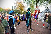 Nederland, Milsbeek,18-11-2018Sinterklaas met zwarte Pieten beginnen aan de intocht naar het dorpshuis.Foto: Flip Franssen