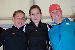 31-12-2010 Atletiek: Silvestercross: Soest<br /> Laatste dag van het jaar de Sylvestercross / Lesley van Miert wint de korte cross, Marije te Raa en Yvonne Hak<br /> ©2011-WWW.FOTOHOOGENDOORN.NL