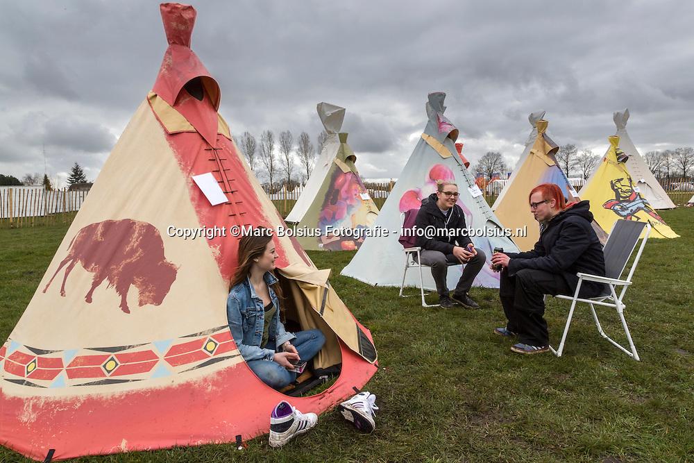 Nederland,  Schijndel, popfestival op de molenheide met allerlei atracties