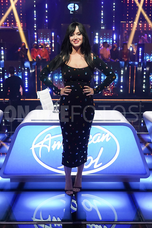 """AMERICAN IDOL – """"415 (The Comeback)"""" – A special episode of """"American Idol"""" featuring """"comeback contestants"""" airs MONDAY, APRIL 19 (8:00-10:00 p.m. EDT), on ABC. (ABC/Eric McCandless)<br /> KATY PERRY"""