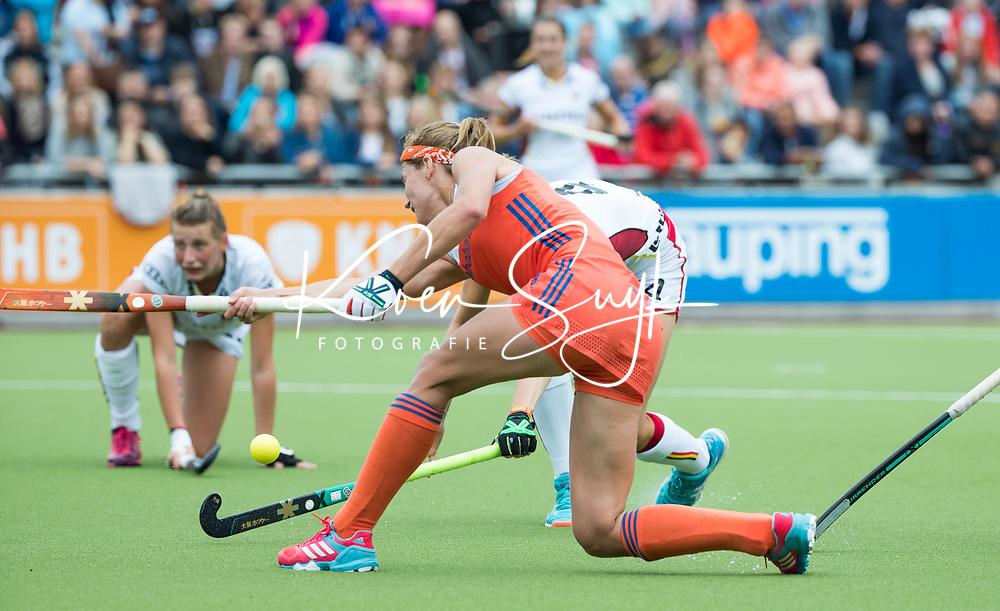 SCHIEDAM - Carlien Dirkse van den Heuvel (Ned)  tijdens een oefenwedstrijd tussen  de dames van Nederland en Belgie , in aanloop naar het  EK Hockey, eind augustus in Amstelveen. COPYRIGHT KOEN SUYK