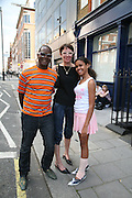 Dennis, Isabelle and Pearl Morris, Anticipation.- Produced by Flora Fairbairn. Curated by Kay Saatchi and Catriona Warren. 111 Great Titchfield St. London W1. 23 May 2007.  -DO NOT ARCHIVE-© Copyright Photograph by Dafydd Jones. 248 Clapham Rd. London SW9 0PZ. Tel 0207 820 0771. www.dafjones.com.