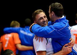22-09-2013 VOLLEYBAL: EK MANNEN NEDERLAND - SLOVENIE: HERNING<br /> Nederland wint met 3-1 van Slovenie en plaatst zich voor de volgende ronde / Robin Overbeeke, Jeroen Rauwerdink<br /> ©2013-FotoHoogendoorn.nl<br />  / SPORTIDA