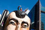Un grupo venezolano de actores de teatro marchan junto a los rostros de Simón Bolívar, Francisco de Miranda y Manuela Saenz en la Caravana de los Proceres realizada en Caracas con motivo de las fiestas de carnaval.  Caracas, 02-02-08 (ivan gonzalez)