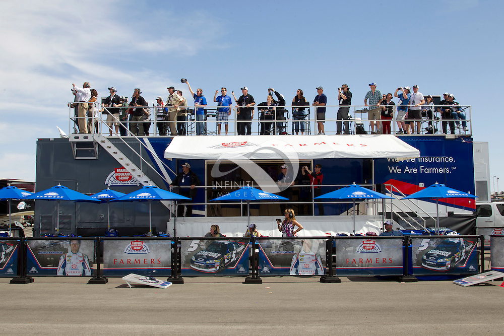 Pictures of Farmers Insurance activation at NASCAR Kobalt Tools 400 in Las Vegas, Nevada.Auto racing corporate event photography by Michael Hickey, Infiniti Images/JMI