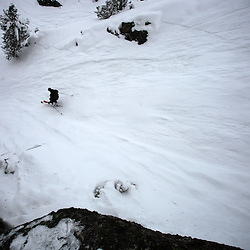 Rossignol Pro Rider, attacks a steep couloir in the La Mongie off piste ski domain.