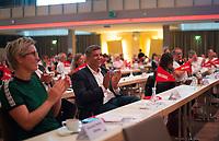 DEU, Deutschland, Germany, Berlin, 22.08.2020: Der Berliner SPD-Fraktionschef Raed Saleh beim Landesparteitag von DIE LINKE im Estrel Convention Center in Neukölln. Es ist der erste nicht-virtuelle Parteitag einer Partei in der Corona-Pandemie. Es gelten strikte Abstands- und Hygieneregeln sowie Maskenpflicht (ausser an den Plätzen), so sollen Ansteckungen mit dem Coronavirus vermieden werden.