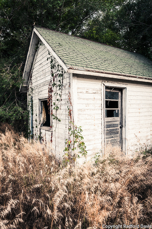 An old abandoned home on a farm in Iowa