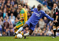 Photo: Leigh Quinnell.<br /> Chelsea v Norwich City. The FA Cup. 17/02/2007.<br /> Chelseas Lassana Diarra gets the ball away from Norwichs' Darren Huckerby.