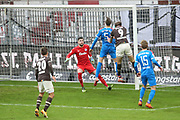 Fussball: 2. Bundesliga, FC St. Pauli - Holstein Kiel, Guido Burgstaller (Pauli, M.) - Torwart Ioannis Gelios (Kiel)<br /> © Torsten Helmke