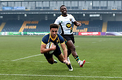 Alex Bartley (Solihull School) of Worcester Warriors U18 scores a try - Mandatory by-line: Robbie Stephenson/JMP - 22/01/2017 - RUGBY - Sixways Stadium - Worcester, England - Worcester Warriors U18 v Northampton Saints U18 - Premiership Rugby U18 Academy League