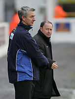 Photo: Paul Thomas. Chester City v Yeovil Town. Deva Stadium, Chester. Coca Cola League Two. 19/02/2005. Chester City manager Ian Rush congratulates Yeovil Town manager Gary Johnson.