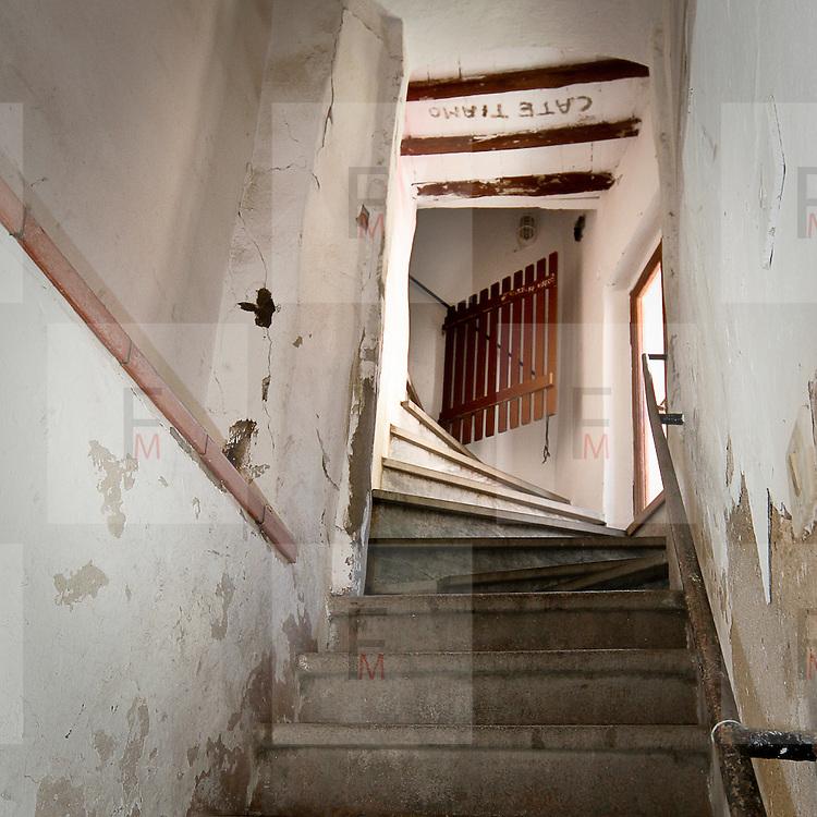 Le scale di caratteristica casa di Capoliveri,<br /> antico borgo dell'Isola d'Elba<br /> <br /> The stairs of a characteristic house in Capoliveri, an ancient village on Elba Island
