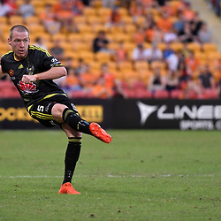 BRISBANE, AUSTRALIA - APRIL 16: Ryan Lowry of the Phoenix passes the ball during the round 27 Hyundai A-League match between the Brisbane Roar and Wellington Phoenix at Suncorp Stadium on April 16, 2017 in Brisbane, Australia. (Photo by Patrick Kearney/Brisbane Roar)