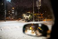 Bialystok, 16.01.2021. Gwaltowny atak zimy, w ciagu paru godzin przybylo kilkanascie centymetrow sniegu N/z plug sniezny na Alei Pilsudskiego fot Michal Kosc / AGENCJA WSCHOD