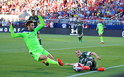 SANTA CLARA, USA - Saturday, July 30, 2016: Liverpool's Adam Lallana in action against AC Milan during the International Champions Cup 2016 game on day ten of the club's USA Pre-season Tour at the Levi's Stadium. (Pic by David Rawcliffe/Propaganda)