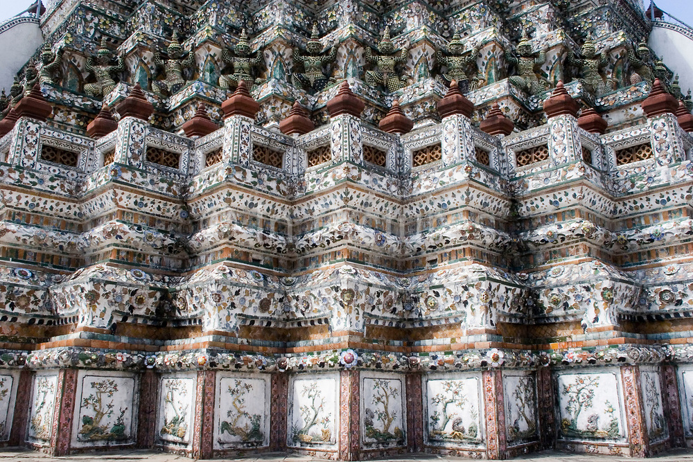 Wat Arun, also known as Temple of Dawn is one of the most distinctive buildings in Bangkok. Built in the Ayutthayan style, the monument is a representation of Mount Meru, which is the home of all gods in Khmer mythology.