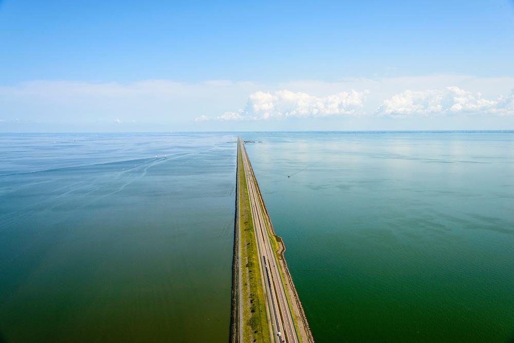 Nederland, Noord-Holland, Den Oever, 05-08-2014; Afsluitdijk  gezien vanuit Noord-Holland, richting Friesland. Links Waddenzee, rechts IJsselmeer, Friese kust aan de horizon.<br /> Enclosure Dam in the direction of the Frisian coast.  Left Waddenzee, IJsselmeer right.<br /> luchtfoto (toeslag op standaard tarieven);<br /> aerial photo (additional fee required);<br /> copyright foto/photo Siebe Swart.