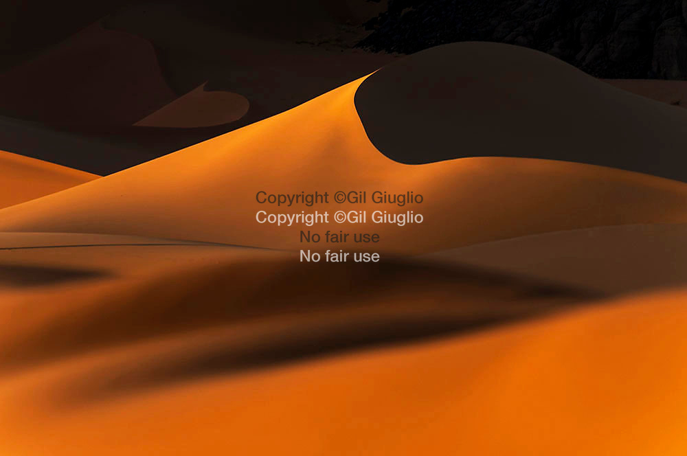Algeria, Illizi region, Tassili n Ajjer desert at world heritage of unesco, dunes of Boul Naga // Algérie, région Illizi, désert Tassili n Ajjer au patrimoine mondial de l'Unesco, dunes de Boul Naga