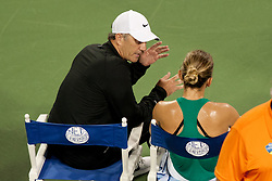 August 15, 2018 - Cincinnati, OH, USA - Western and Southern Open Tennis, Cincinnati, OH - August 15, 2018 - Simone Halep's coach advises her in a game against Ajla Tomljanovic in the Western and Southern Tennis tournament held in Cincinnati. - Photo by Wally Nell/ZUMA Press (Credit Image: © Wally Nell via ZUMA Wire)
