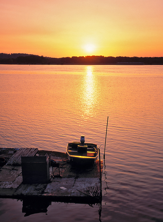 Sunrise over the Mississippi River, Iowa.
