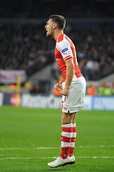 Arsenal's Aaron Ramsey cuts a frustrated figure as his shot goes wide - Photo mandatory by-line: Dougie Allward/JMP - Mobile: 07966 386802 - 22/10/2014 - SPORT - Football - Anderlecht - Constant Vanden Stockstadion - R.S.C. Anderlecht v Arsenal - UEFA Champions League - Group D
