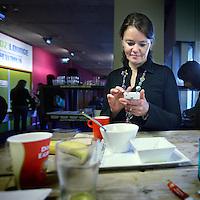 Nederland, Utrecht , 11 oktober 2010..Seat2meet. Dé nieuwste vergaderformule van Europa! U reserveert vergaderstoelen in plaats van zalen, gemakkelijk via internet. Hoe eerder u boekt, hoe groter uw voordeel!..Een plek waar ZZP-ers van allerlei plumage elkaar kunnen treffen, inspireren en waar men vergaderzalen kan huren..Op de foto geinterviewde ZZp-er Hadewijch..Seats2meet, a facility where one can meet by booking seats instead of rooms. Wifi and food included.