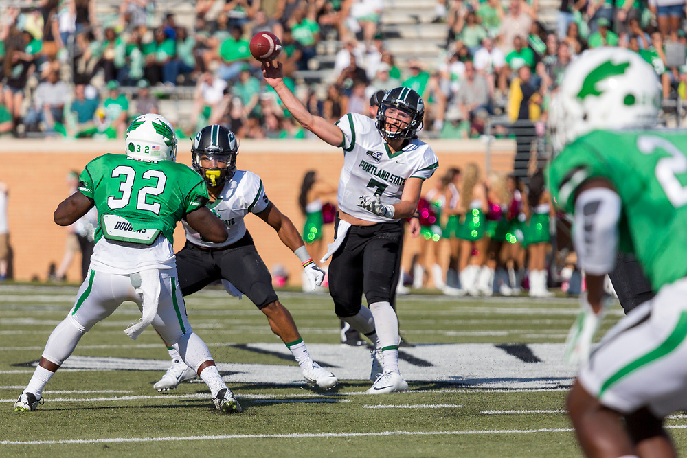 October 10, 2015: at Apogee Stadium in Denton, TX (Photo by Mikel Galicia/Icon Sportswire)